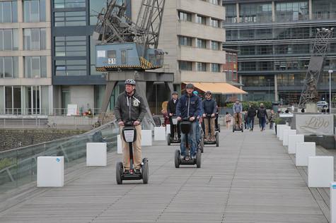 Tour 1: Segway Düsseldorfer: City Tour 120 min. nur 69,- €