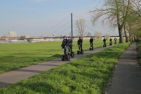 Tour 2: Große Düsseldorfer Tour 210 min. ab 89,- €